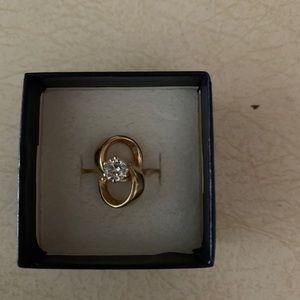 Jewelry - Women's 14k gold diamond engagement ring